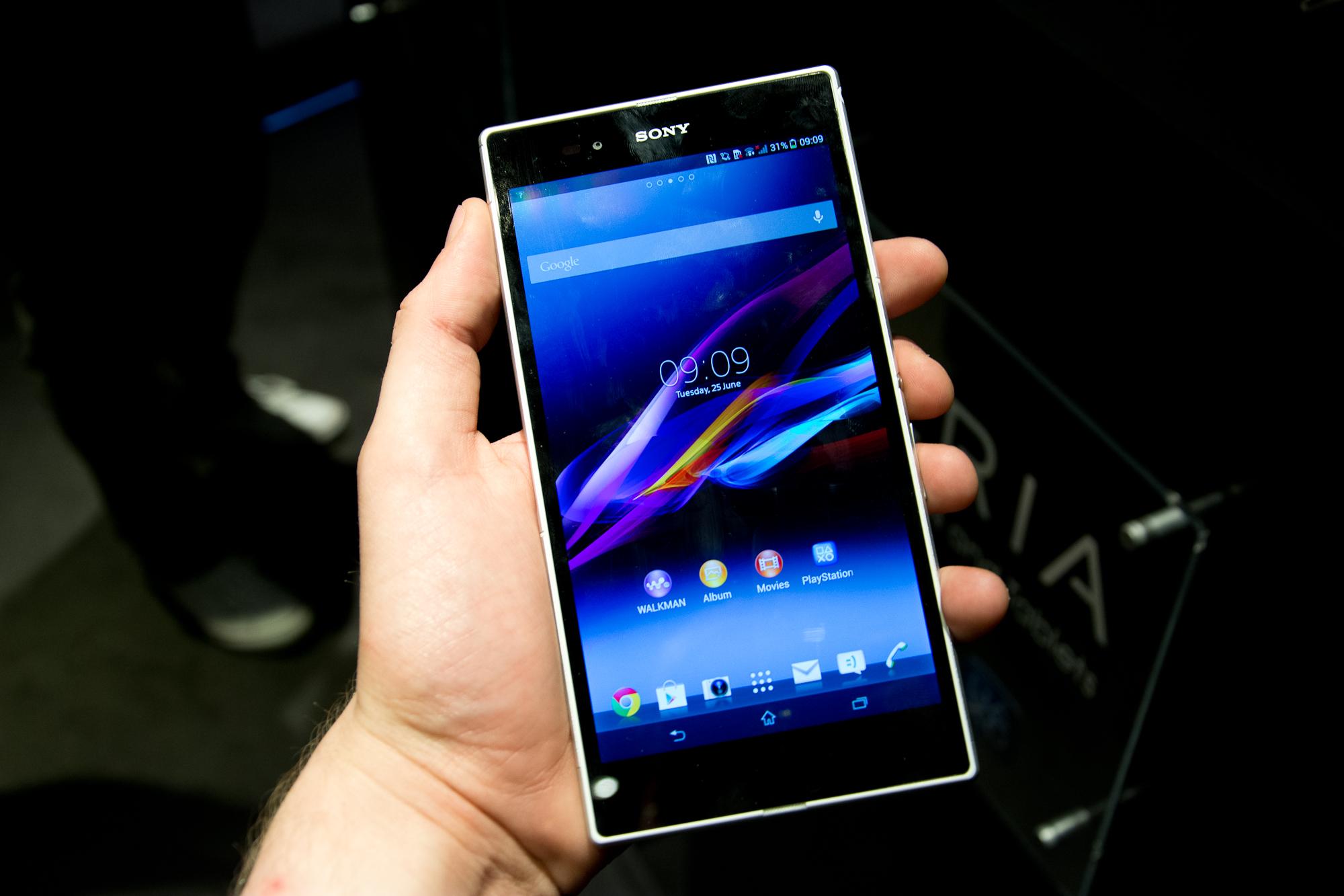 Đánh giá nhanh điện thoại Sony Xperia Z Ultra