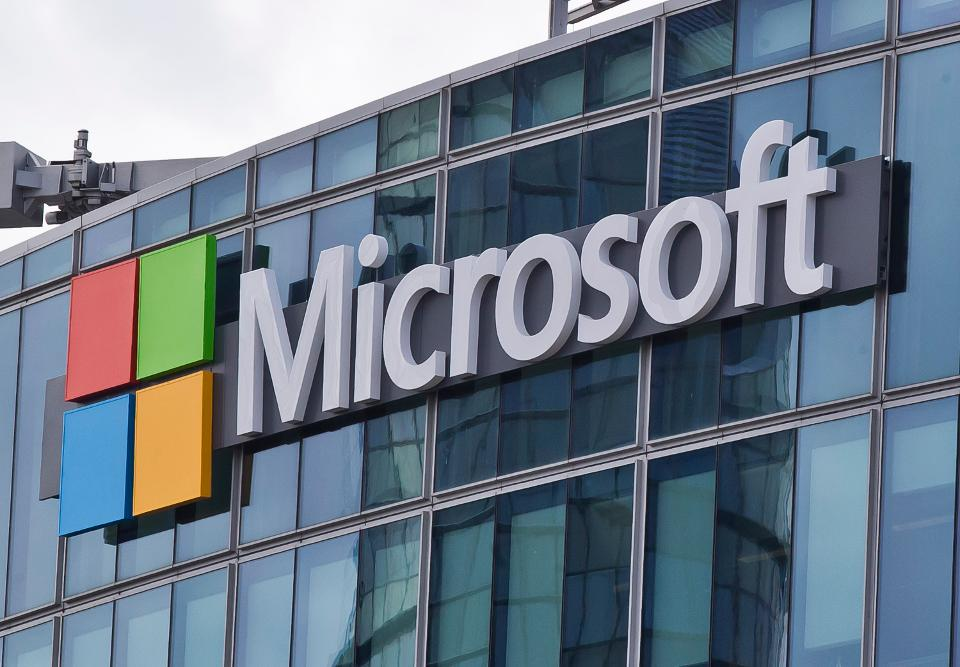 Microsoft có bằng sáng chế cổng và đầu cắm USB-C mỏng
