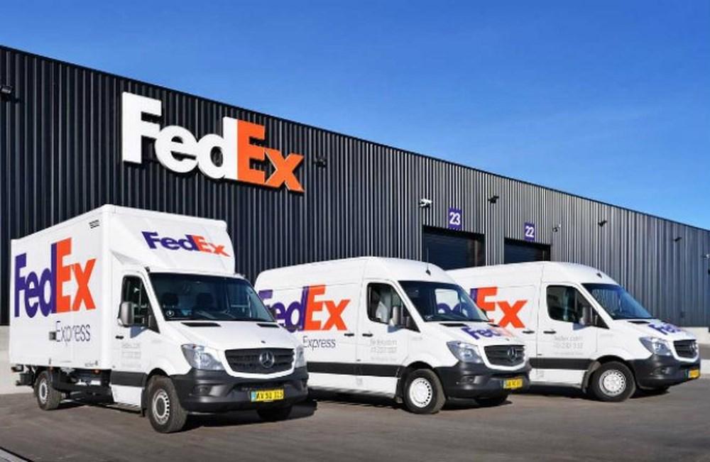 Chuyển phát nhanh gắn liền với cái tên Fedex