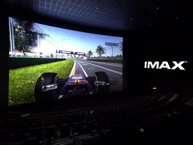 Đua xe trên màn hình IMAX