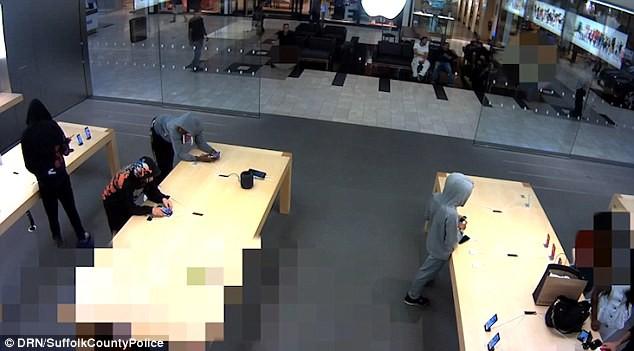 Nhóm cướp iPhone trị giá 19.000 USD tại New York