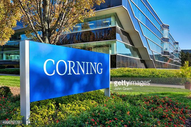 Tham quan trụ sở thử nghiệm độ bền kính Gorilla của Corning