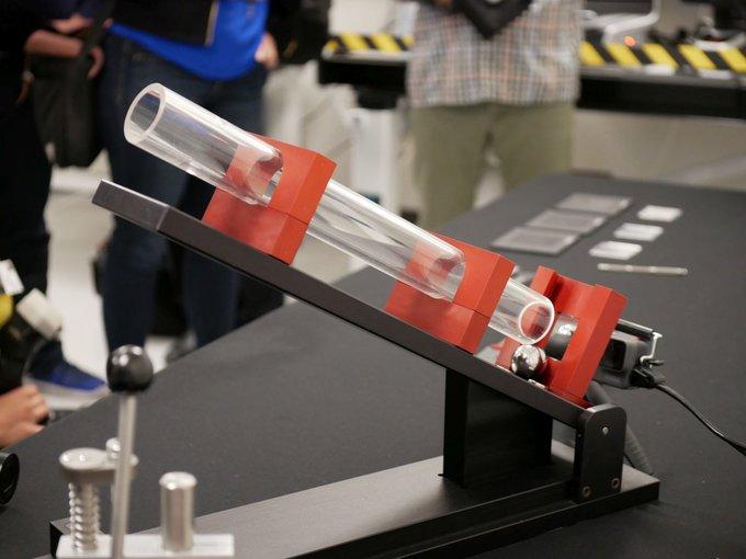Thí nghiệm thả rơi của Corning đối với Gorilla Glass
