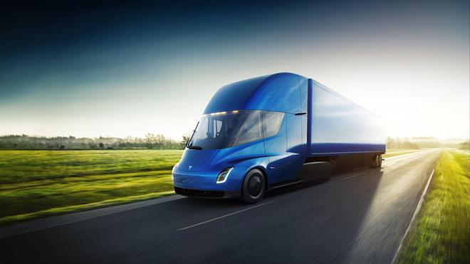 Elon Musk tự hào về xe tải Tesla có thể tự lái vòng quanh Mỹ một mình