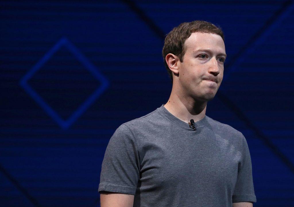 Mark Zuckerberg cần giúp Facebook lây lại uy tín