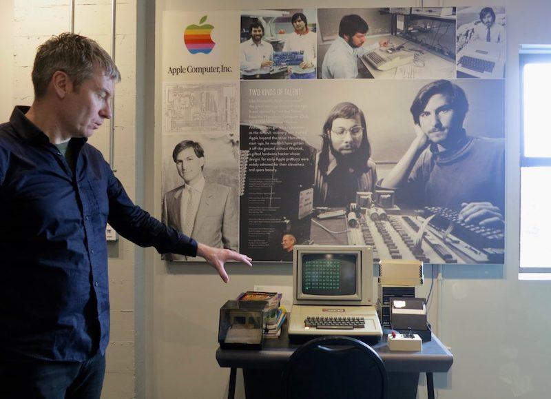Steve Jobs và Steve Wozniak đã tạo ra Apple 1