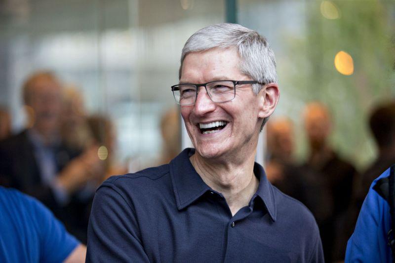 Tim Cook chuẩn bị có thểm 120 triệu USD cổ phiếu của Apple