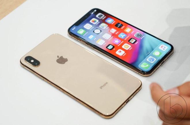 1 iPhoneXsMAX-co-gia-bao-nhiêu-tai-TPHCM -Ha-Noi