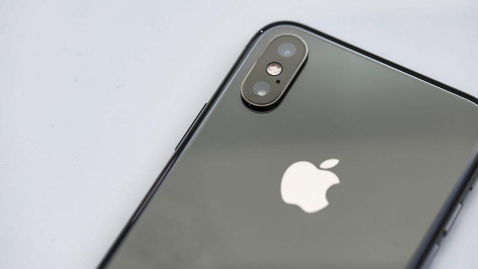 2 gia-ban-iPhoneXs-tai-TPHCM-Ha-Noi-bao-nhieu