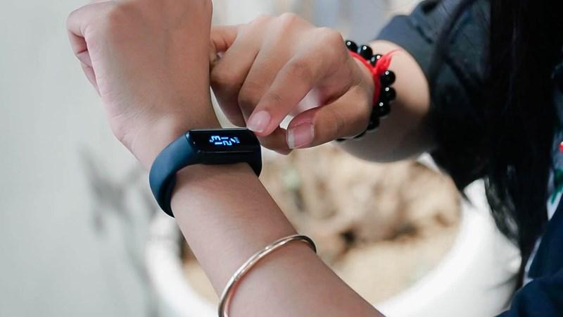 Đánh giá Galaxy Fit E: với thiết kế nhỏ gọn, trẻ trung cho người dùn